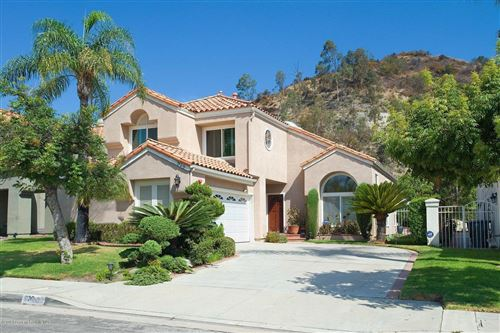 Photo of 928 CALLE SIMPATICO, Glendale, CA 91208 (MLS # 819003836)