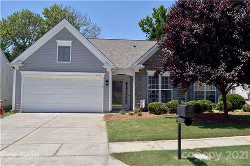 Photo of 8722 Heron Glen Drive, Charlotte, NC 28269-6226 (MLS # 3783379)