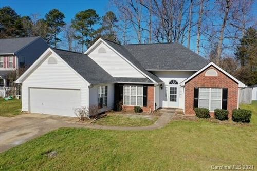 Photo of 6042 Hedgecrest Place, Charlotte, NC 28269-5118 (MLS # 3701509)
