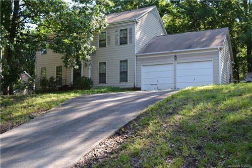 Photo of 4621 Bournewood Lane, Charlotte, NC 28226-3260 (MLS # 3625912)