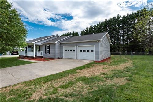 Photo of 162 P Ls Place, Taylorsville, NC 28681 (MLS # 3572977)