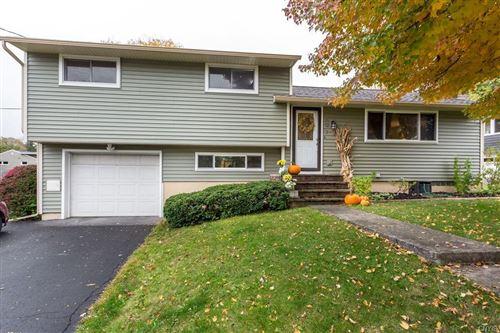 Photo of 207 Oakmont Drive, Syracuse, NY 13214 (MLS # S1300270)