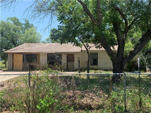 Photo of 2105 20th St, Other, TX 78861 (MLS # 386730)