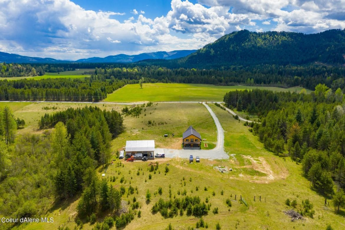 Photo of 405 Cary Spur, Priest River, ID 83856 (MLS # 21-4419)