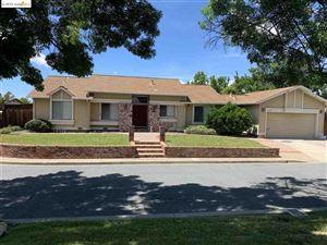 Photo of 1791 Meadow Pine Ct, CONCORD, CA 94521 (MLS # 40867022)
