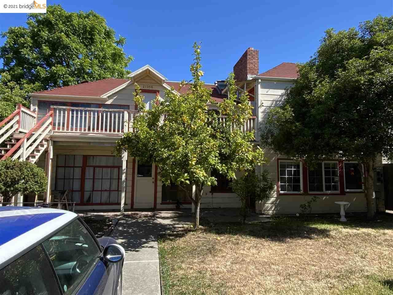 Photo of 2137 Parker St, BERKELEY, CA 94704 (MLS # 40951053)