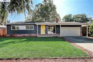 Photo of 1009 Santa Cruz Dr, PLEASANT HILL, CA 94523 (MLS # 40882100)