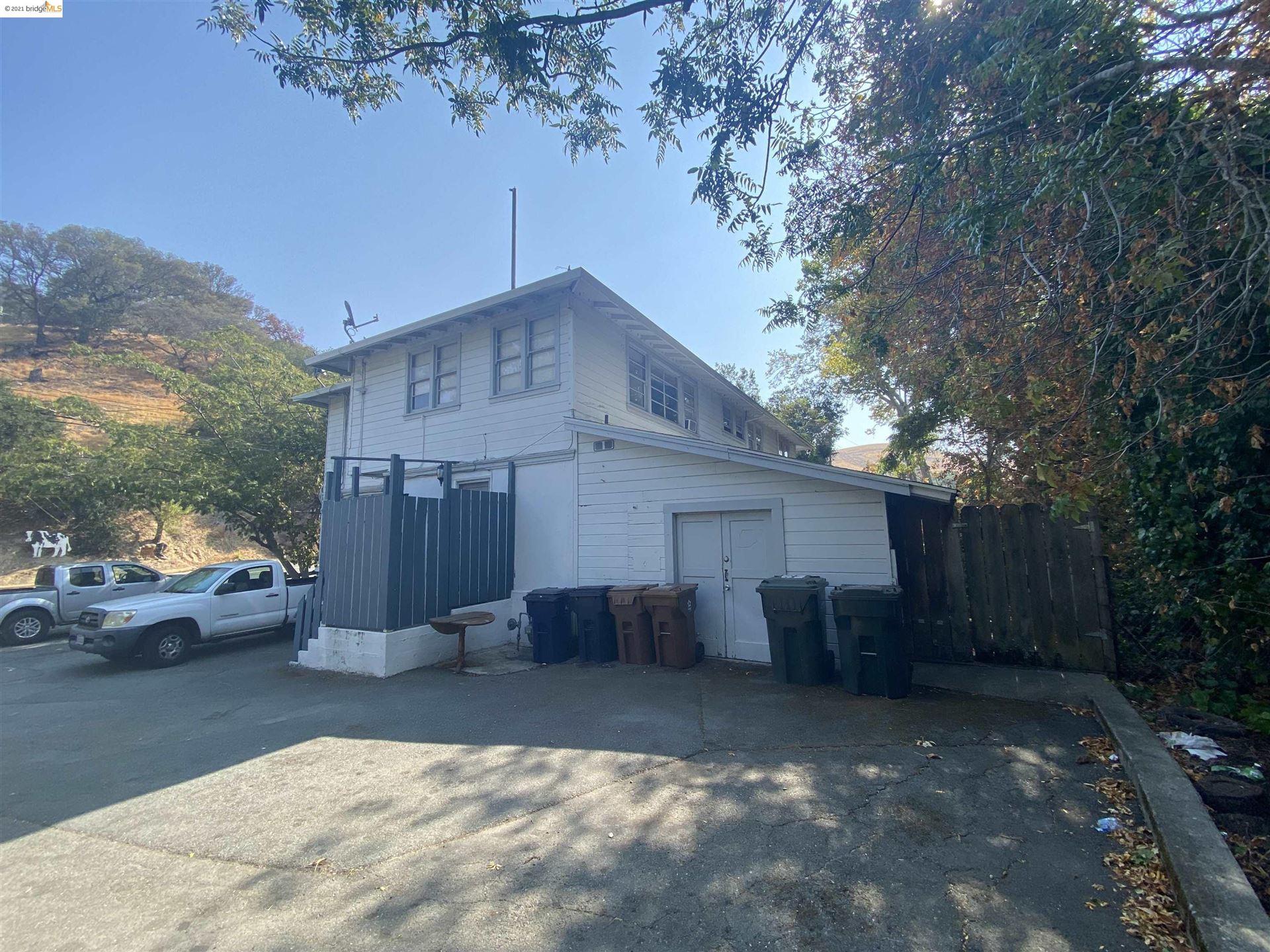 Photo of 700 D St, MARTINEZ, CA 94553 (MLS # 40966325)