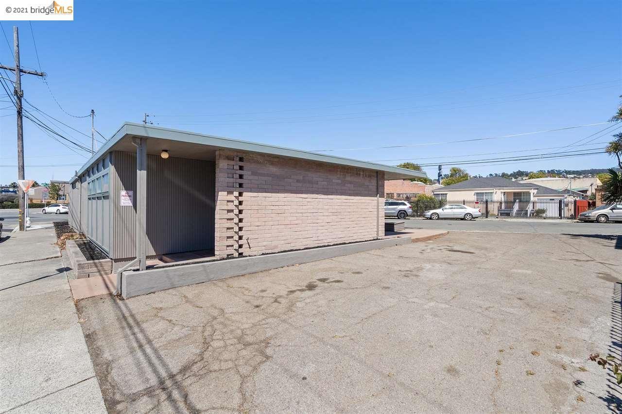 Photo of 460 46Th Street, Richmond, CA 94805 (MLS # 40962437)
