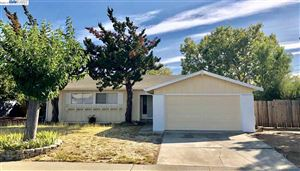Photo of 1827 Kenwood Dr, CONCORD, CA 94519 (MLS # 40871453)