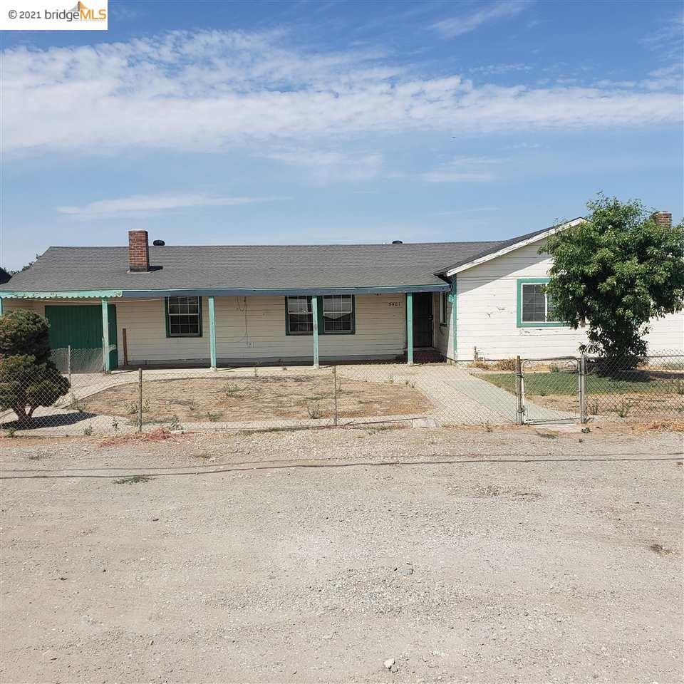 Photo of 5401 Live Oak AVE, OAKLEY, CA 94561 (MLS # 40961543)
