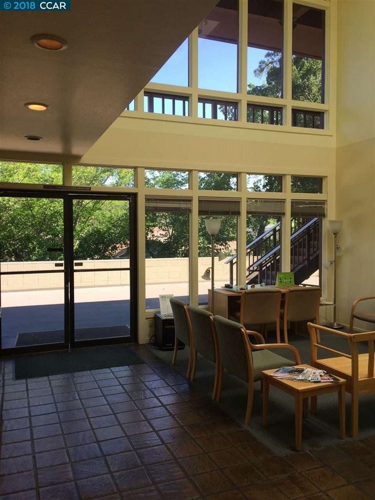 Photo of 911 Moraga Rd, LAFAYETTE, CA 94549 (MLS # 40835651)