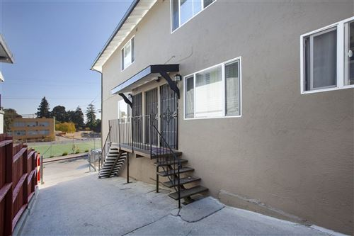 Photo of 3647 Coolidge Avenue, OAKLAND, CA 94602 (MLS # 40894924)