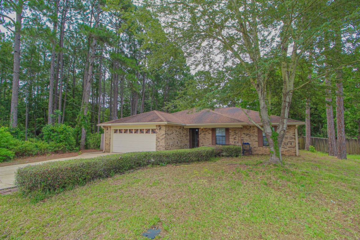 Photo of 412 W Pine Street, Mary Esther, FL 32569 (MLS # 847262)