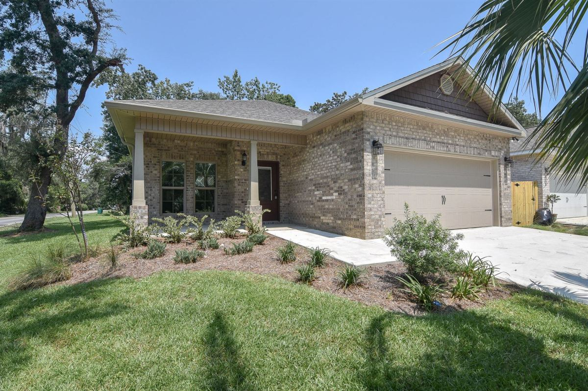 Photo of 206 Spencer Place, Niceville, FL 32578 (MLS # 847331)