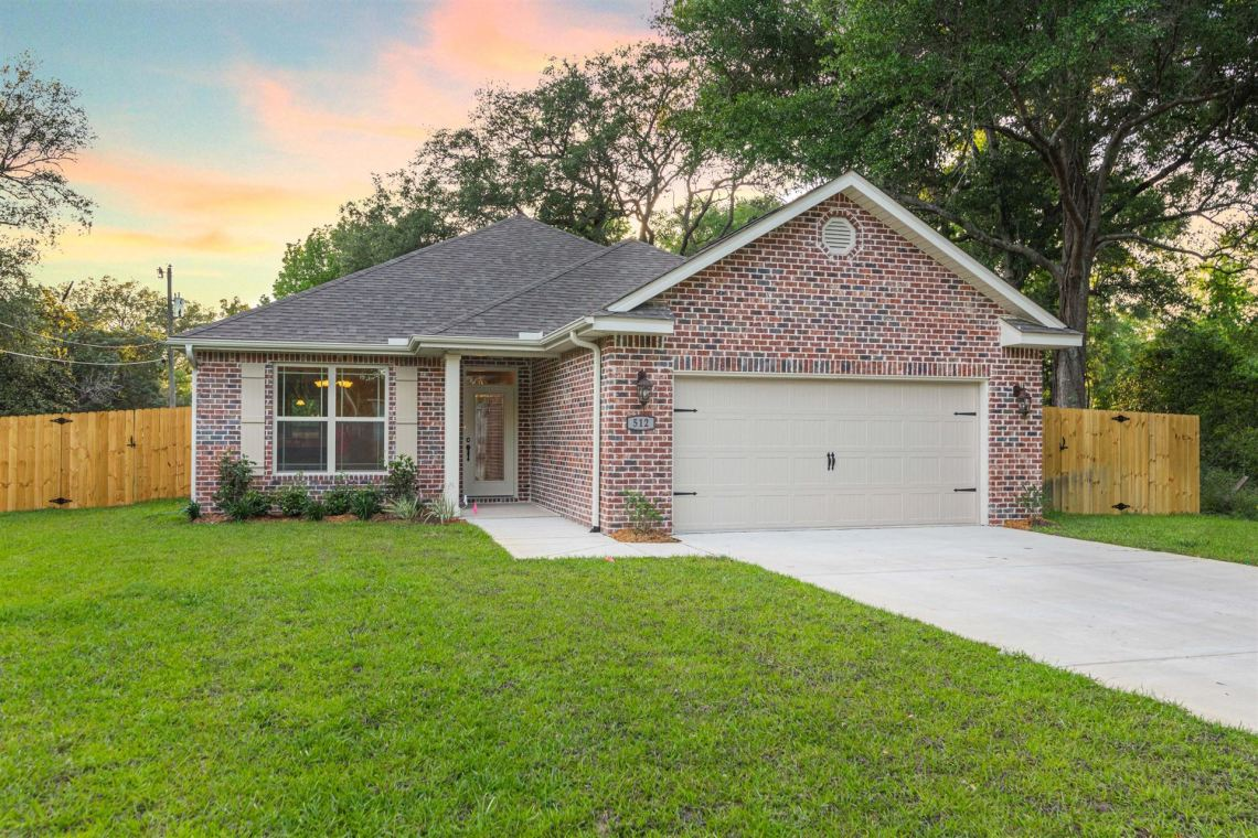 Photo of 512 Bailey Drive, Niceville, FL 32578 (MLS # 843738)