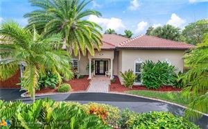 Photo of 628 SW 8th Ter, Fort Lauderdale, FL 33315 (MLS # F10203103)