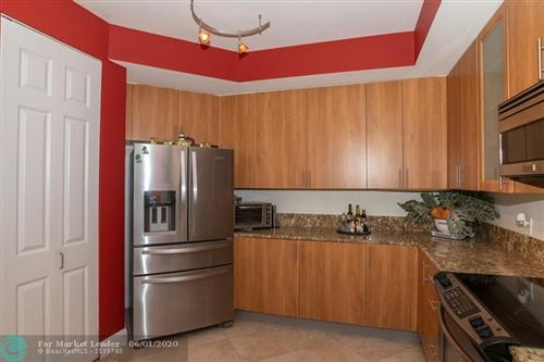 Photo of 2617 NE 14th Ave #302, Wilton Manors, FL 33334 (MLS # F10231587)