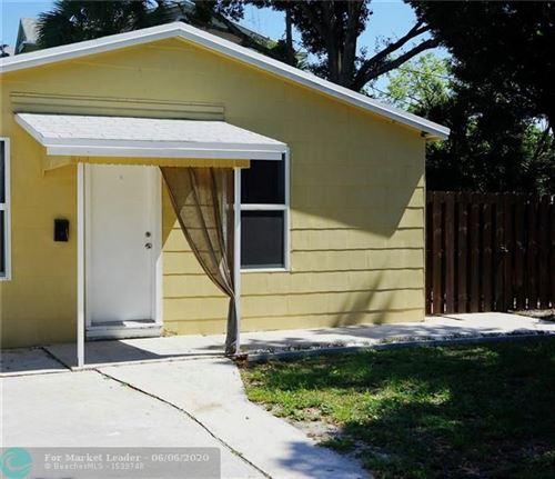 Photo of 2702 NE 9th Ave, Wilton Manors, FL 33334 (MLS # F10231812)