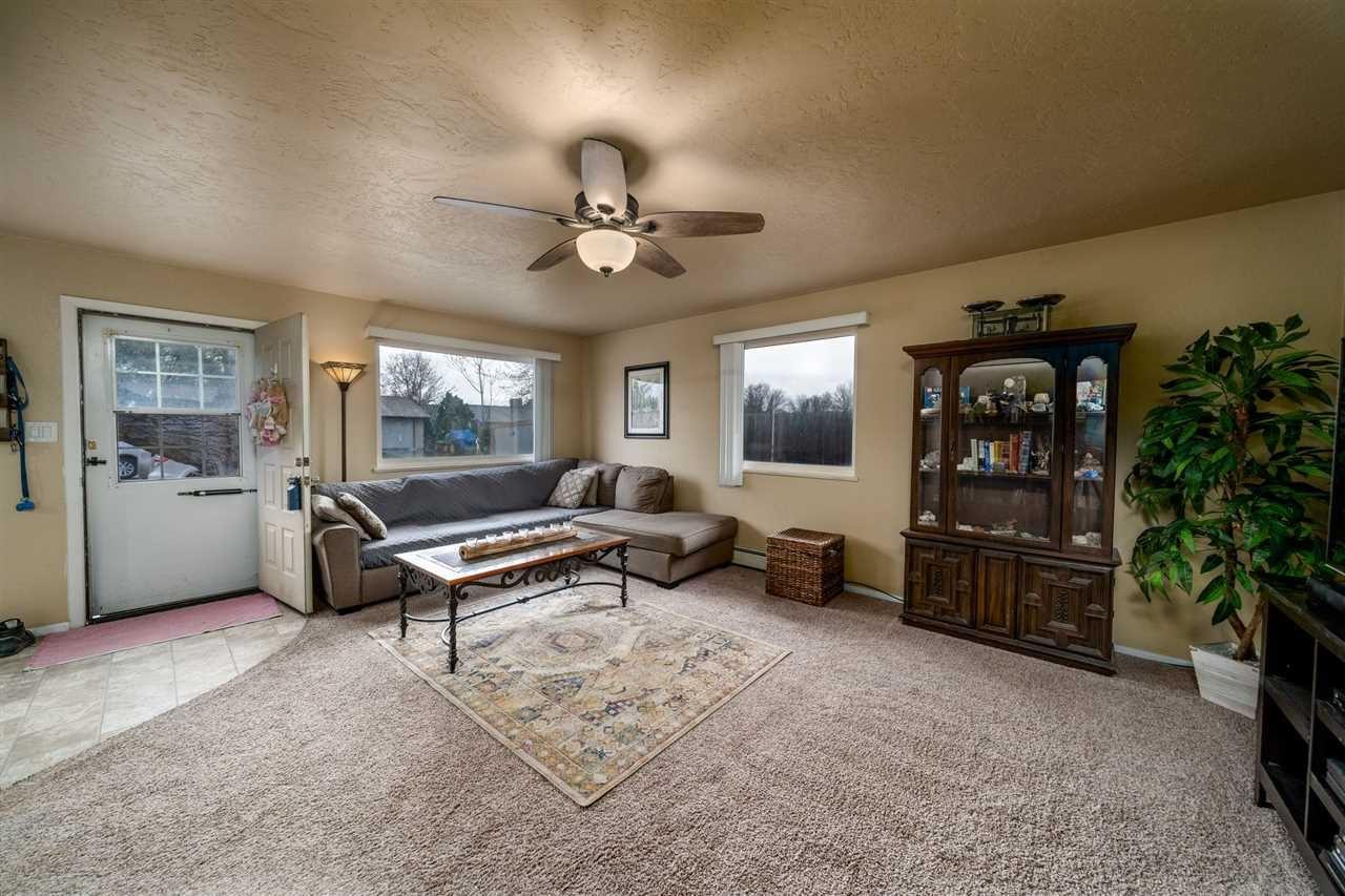 Photo of 471 Seminole Court, Grand Junction, CO 81504 (MLS # 20211714)