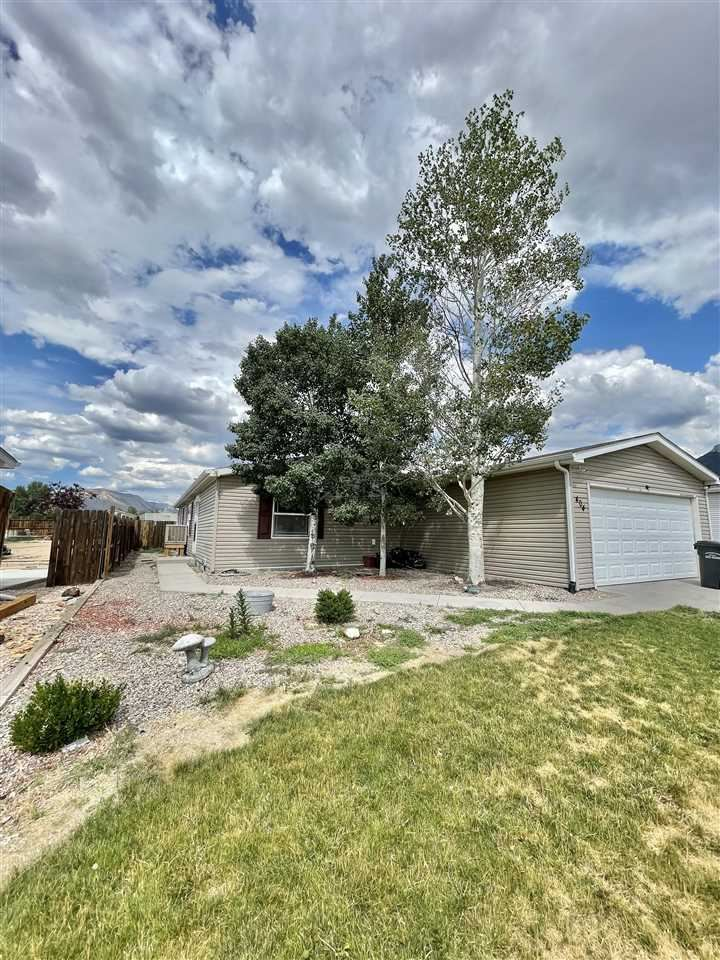 Photo of 404 Mineral Springs Circle, Parachute, CO 81635 (MLS # 20213798)