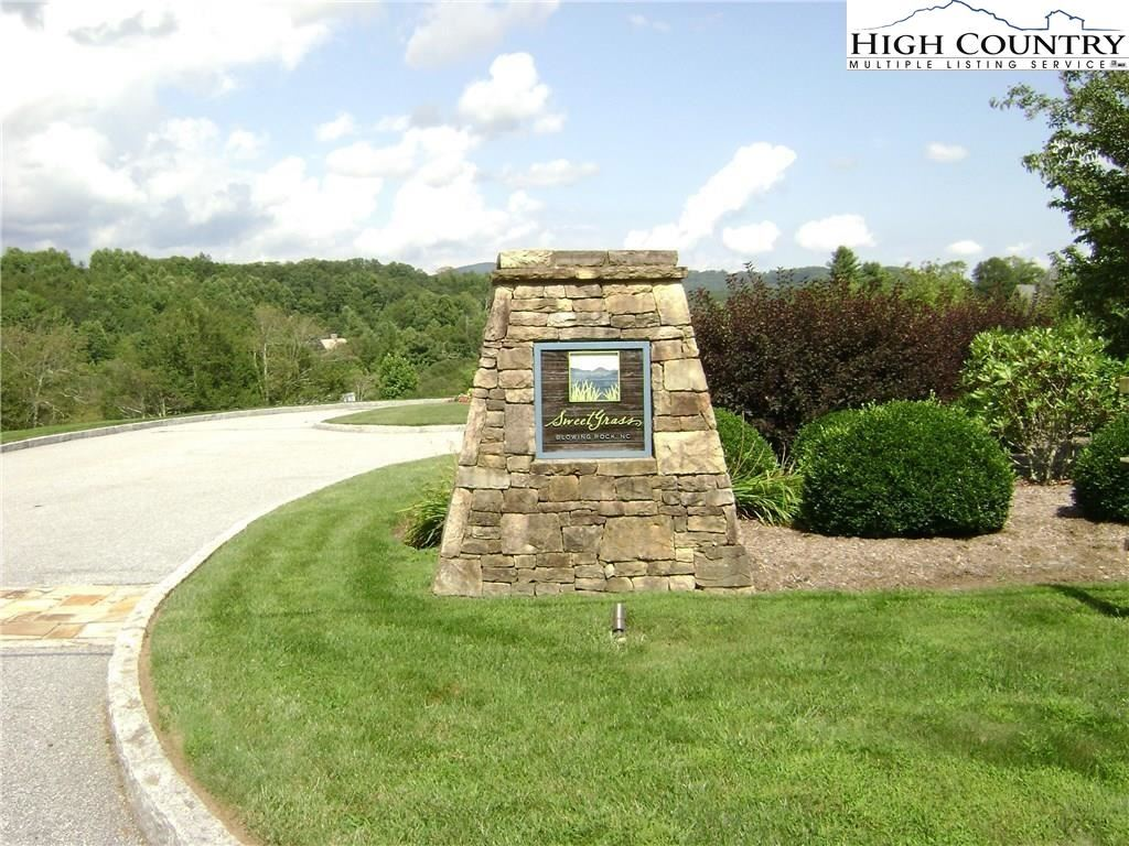 Photo for Lot 64 Mountain Breeze Knoll, Blowing Rock, NC 28605 (MLS # 219630)
