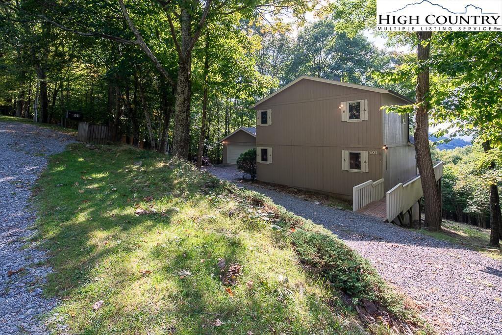 Photo for 501 Pine Ridge Road, Beech Mountain, NC 28604 (MLS # 233732)