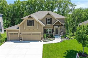 Photo of 5955 NW Thousand Oaks Drive, Parkville, MO 64152 (MLS # 2169084)