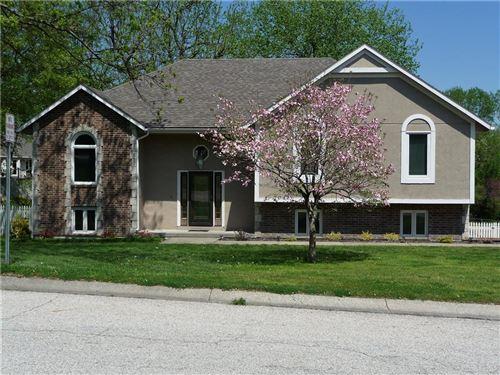Photo of 501 Larkin Court, Warrensburg, MO 64093 (MLS # 2204254)