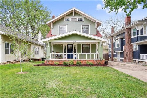Photo of 414 E 59th Street, Kansas City, MO 64110 (MLS # 2254389)