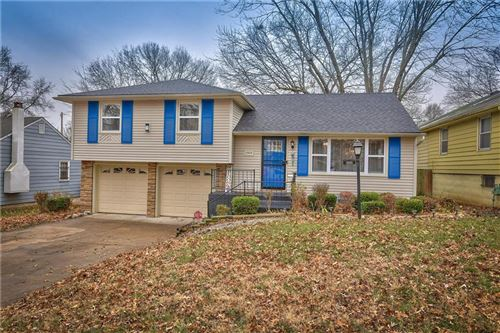 Photo of 3909 E 72nd Street, Kansas City, MO 64132 (MLS # 2254441)