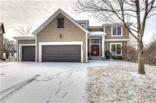 Photo of 14465 NW 60TH Place, Parkville, MO 64152 (MLS # 2204449)