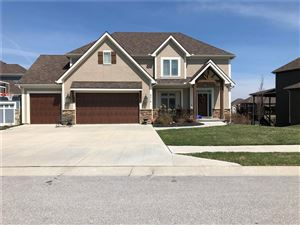 Photo of 5813 Thousand Oaks Drive, Parkville, MO 64152 (MLS # 2156452)