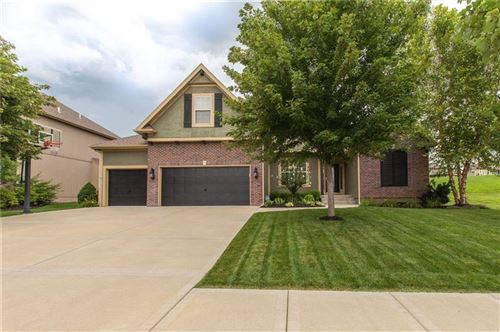 Photo of 9411 N Farley Court, Kansas City, MO 64157 (MLS # 2230579)
