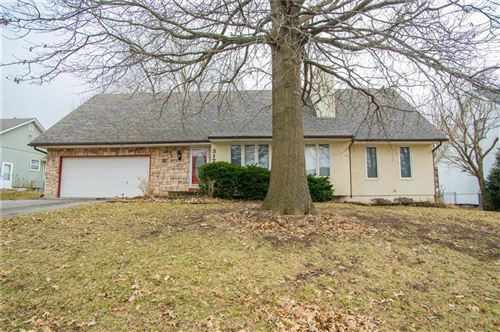 Photo of 317 N Park Drive, Raymore, MO 64083 (MLS # 2207589)