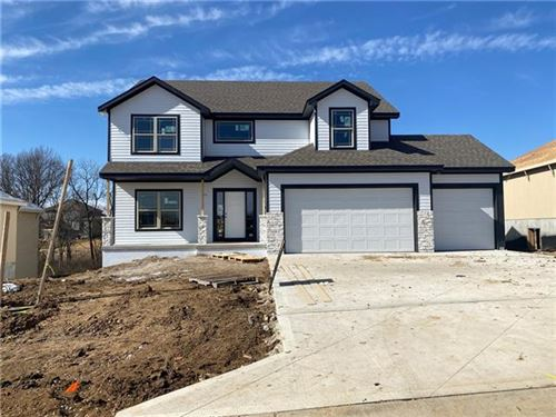 Photo of 8720 N Cyprus Court, Kansas City, MO 64156 (MLS # 2306785)