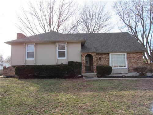 Photo of 1005 SW 15th Street, Blue Springs, MO 64015 (MLS # 2207820)