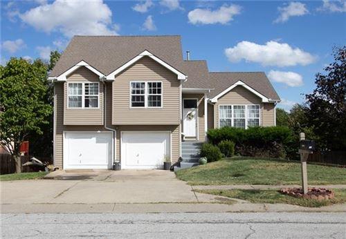 Photo of 8609 N McDonald Avenue, Kansas City, MO 64153 (MLS # 2348822)
