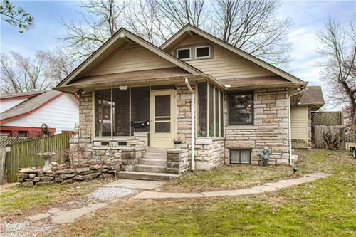 Photo of 1185 E 65th Street, Kansas City, MO 64131 (MLS # 2306991)