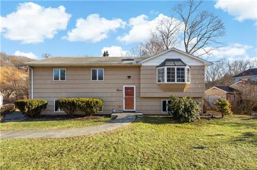 Photo of 12 Lynwood Road, Cortlandt Manor, NY 10567 (MLS # 6016845)