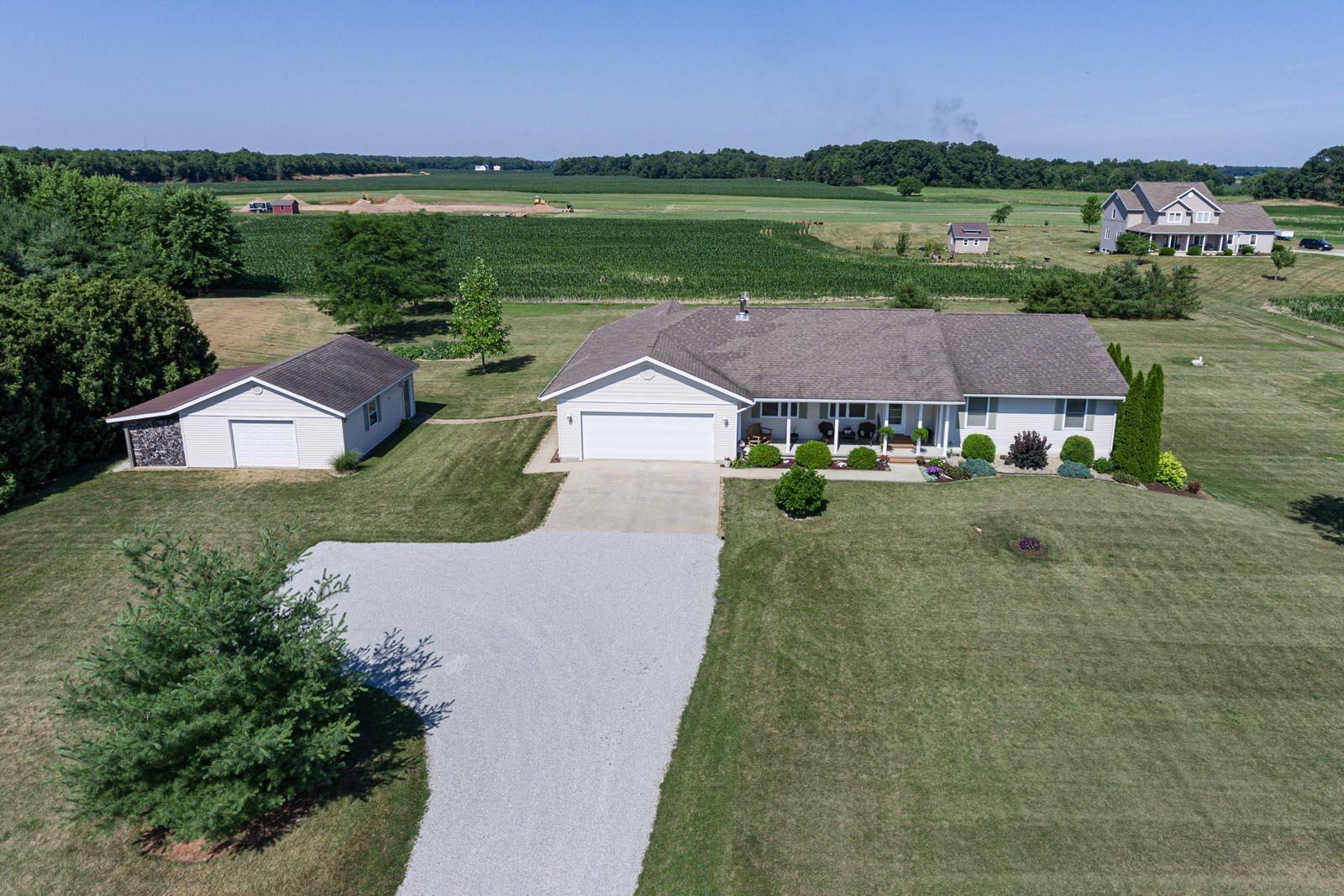 Photo of 67511 County road 37 Road, Millersburg, IN 46543 (MLS # 202026079)