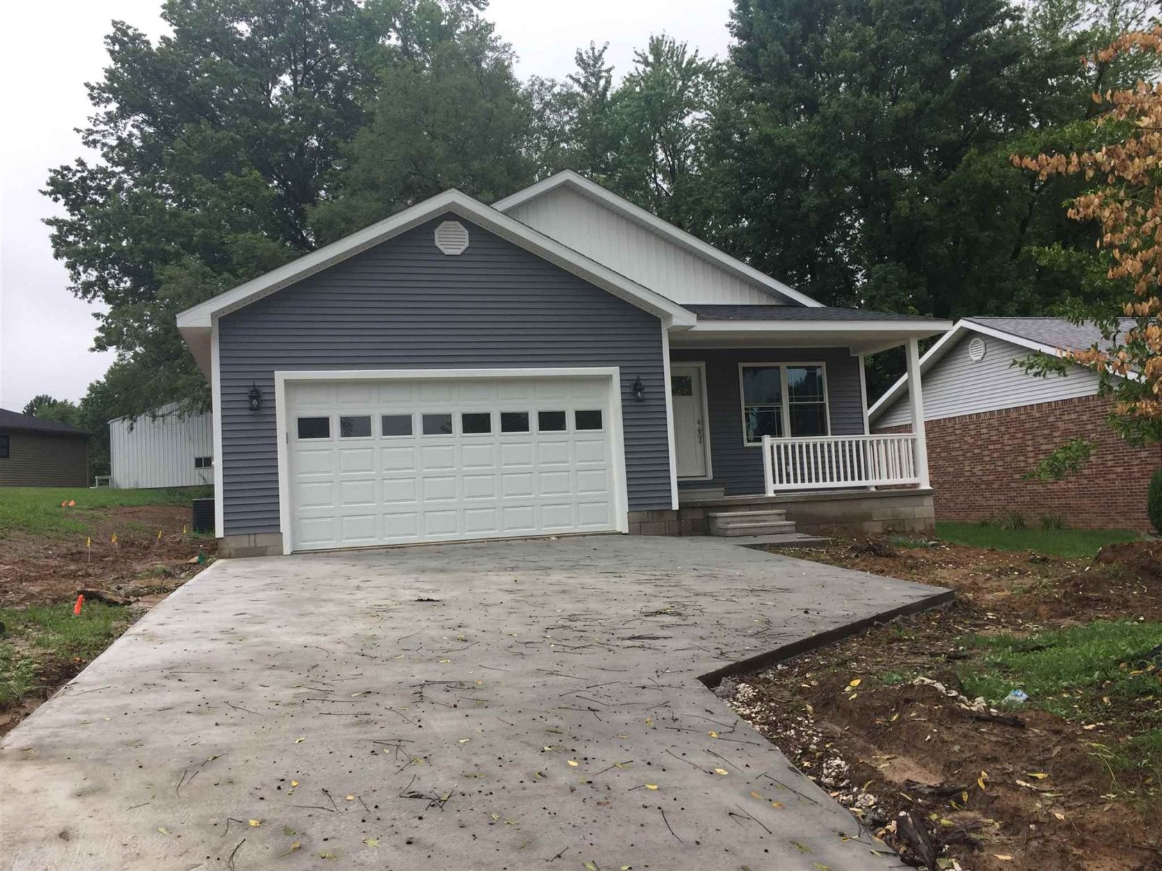 Photo of 1710 Parkdale Drive, Washington, IN 47501 (MLS # 202026122)