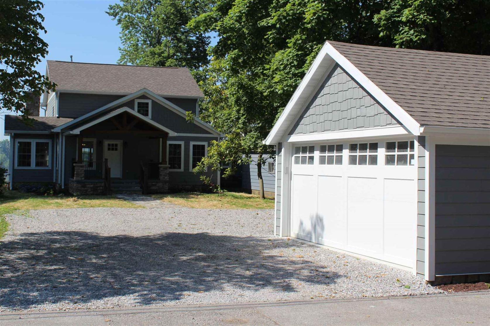 Photo of 1001 W Phelps Drive, Newburgh, IN 47630 (MLS # 202026856)