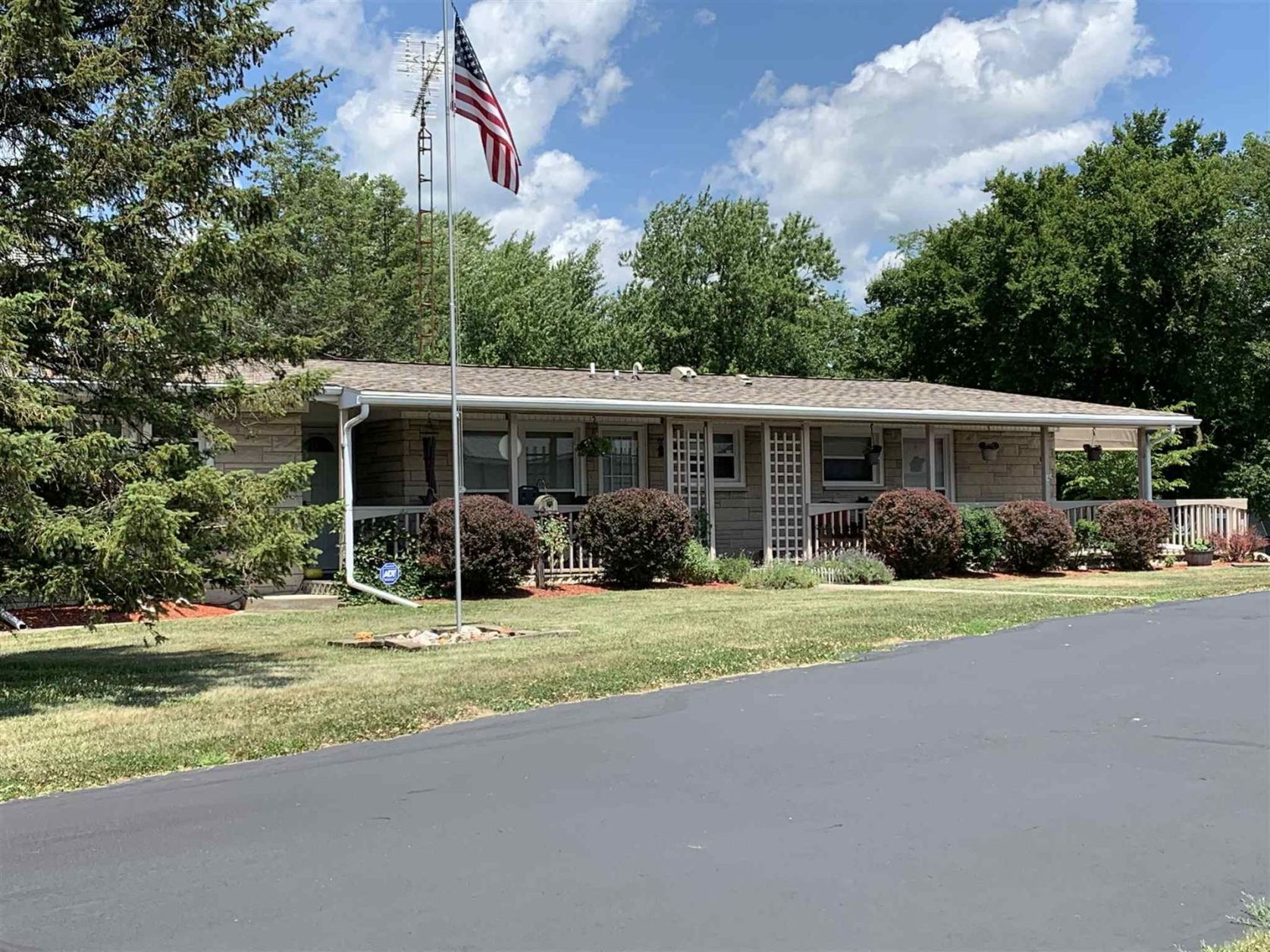 Photo of 3108 N Huntington Road, Marion, IN 46952 (MLS # 202026870)