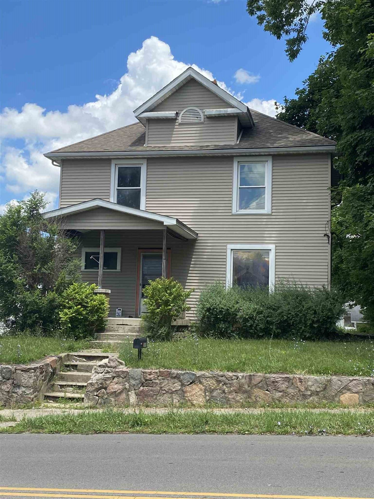 Photo of 1000 INDIANA Avenue, New Castle, IN 47362 (MLS # 202026878)