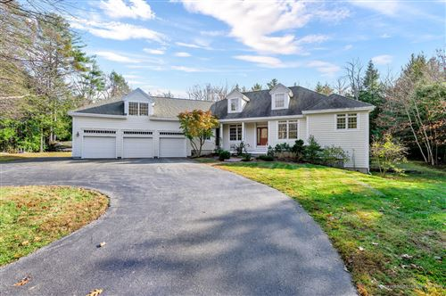 Photo of 10 Fairway Drive, Falmouth, ME 04105 (MLS # 1438706)