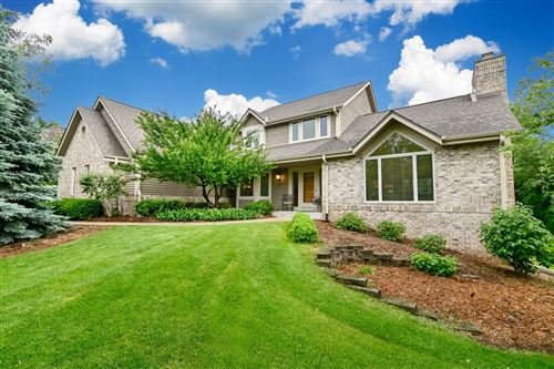 Photo of 3200 Cherry Hill Dr, Brookfield, WI 53005 (MLS # 1745001)