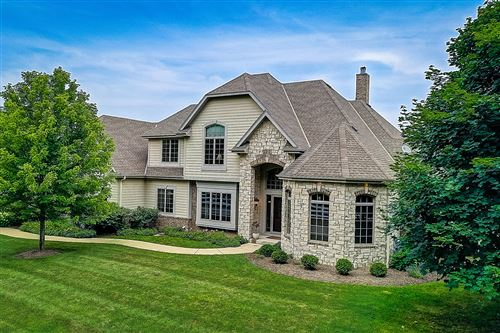 Photo of 10518 N Stone Creek Dr, Mequon, WI 53092 (MLS # 1700002)