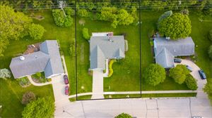 Photo of 453 Leanore Ct, Pewaukee, WI 53072 (MLS # 1638010)