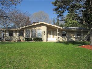 Photo of 4823 S 68th St, Greenfield, WI 53220 (MLS # 1639023)